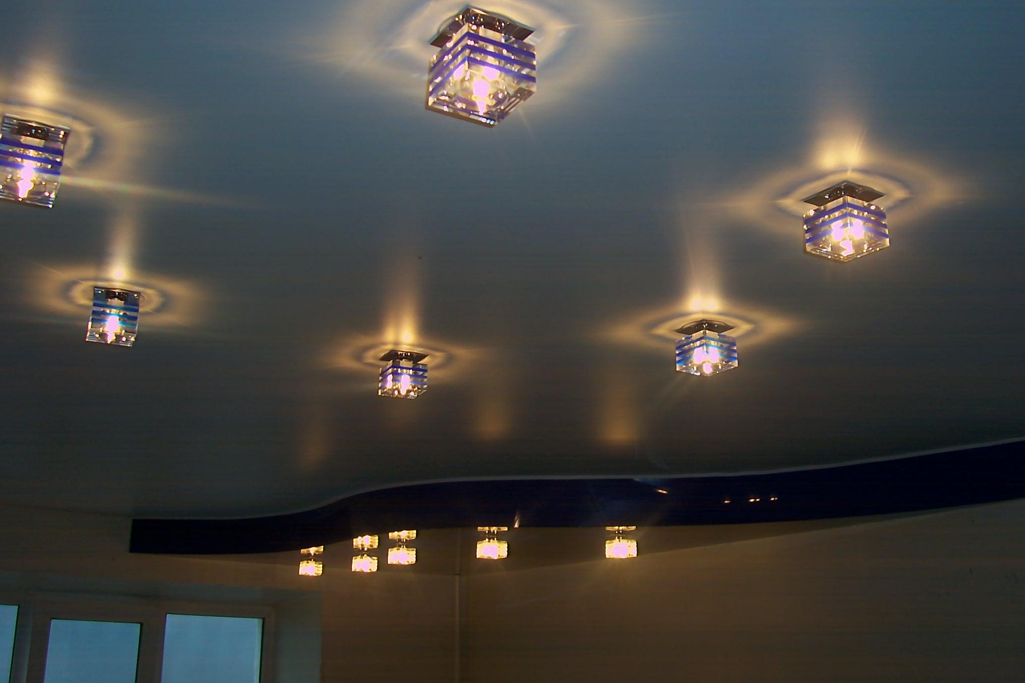 глаза потолок натяжной с светильниками фото настоящее